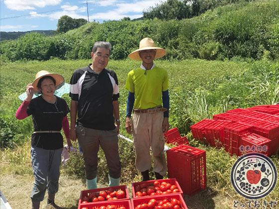 長野県飯綱高原のトマト畑で収穫体験!杉さんの産地訪問レポート_生産者の上野さんにご挨拶